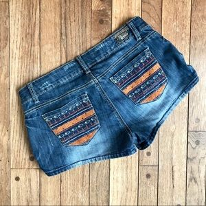 1st Kiss Denim Shorts w/embroidered pockets